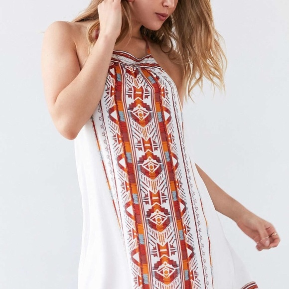 c6fe03c26ebf Ecote Dresses   Skirts - Ecote white Aztec print dress